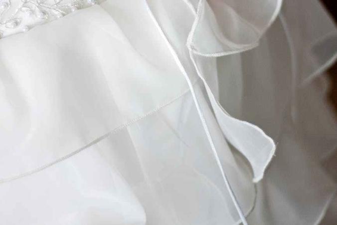 hand-tie-dress-wedding.jpg